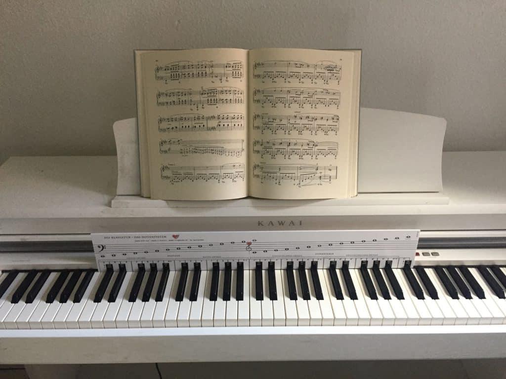 Klaviatur mit Herz